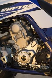 2015_raptor_700r_first_look_engine_left