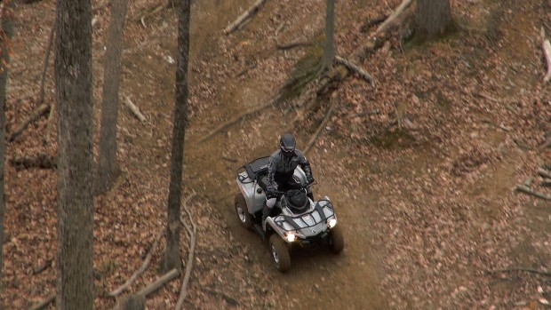 2015_can-am_outlander_l_500_test_downhill_off_camber_2