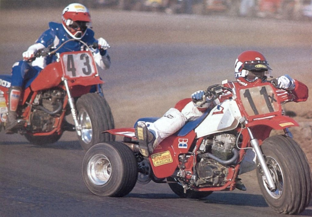 200x_racing_1985_sparks_chasing